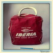 BOLSO DE MANO ROJO IBERIA / (REF: MAL-011 )/ ARRIENDO: $ 6.000 /GARANTIA: $ 30.000