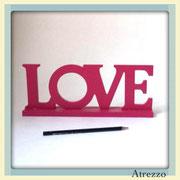TEXTO LOVE MADERA COLOR  / REF: DEC-033 / 1 UNIDAD/ Arriendo $ 1.500  / Garantía $ 5.000
