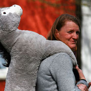 Katja Maercklin mit Esel