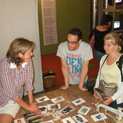 Kirstin Wulf im Gespräch mit Besuchern