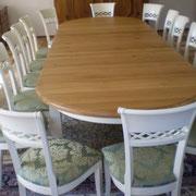Ovale Tafel Weißlack / Eiche geölt Stuhl Modell HC 821