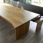 Tisch in Eiche geölt mit Baumkante