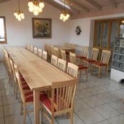 Tische und Stühle für Landgasthof