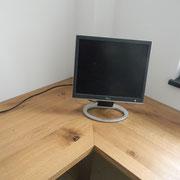 Arbeitstisch für Büro in Eiche massiv, geölt