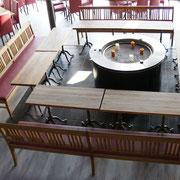 Tischplatten und Bänke in Eiche gealtert