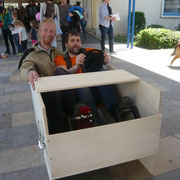 Heiko und Dieter bei einer intensiven Probefahrt, hier ein Velocar aus Hannover.