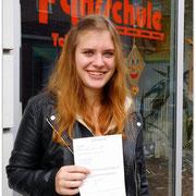 Alexandra Grothe hat ihren B-Führerschein seit dem 10.10.14!