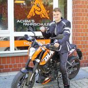 Niklas Böhm hat seinen A1 Führerschein seit dem 03.07.2017