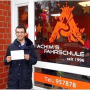 Alexander Karim Kamouna hat seinen B-Führerschein seit dem 02.12.15!