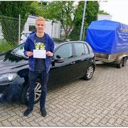 Robert Leue hat seinen BE-Führerschein seit dem 16.06.16!