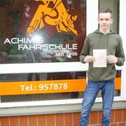 Luca Kuhlemann hat seinen B Führerschein seit dem 23.10.2017