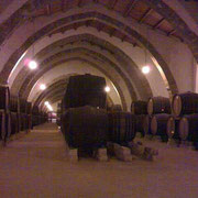 マルサラワインが熟成されるワイン蔵