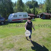 """Silverhöjdens Camping och Stugby ... Unser Stellplatz kurz vor der Weiterfahrt - """"... mal eben noch den Müll weg ..."""" ..."""