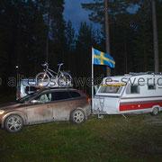 """Naturcamping """"Storsands Vildmarkscamping"""" ... """"... die Fahne weht im Wind - auch nachts ..."""""""