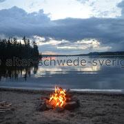 Stellplatz bei Hunge ... Lagerfeuer, obwohl der Abend dann doch von Regen gestört wurde ...