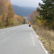 Wir geniessen den farbigen Herbst und die weite Landschaft
