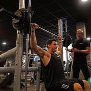 Schultertraining im GaFit Team nicht wegzudenken. Massive Schultermuskeln garantieren den Erfolg im Bodybuilding und bei der Menüs physique