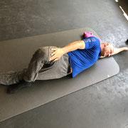 Mobilitätstraining unterstütz den Muskelaufbau und ein ein wichtiger Bestandteil von ganzheitlicher Fitness und Wettkampfvorbereitung