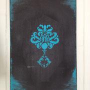 """Bild """"Ornament"""" in Petrol: Ein dekoratives Einzelstück in trendiger Farbe - demnächst auch im Shop."""
