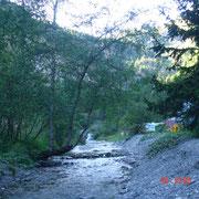 La Salanfe, traversant le camping