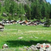 Le petit village typique de Van d'en Haut