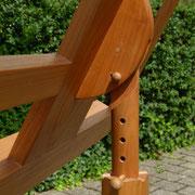 Detail: Neigung und Höhe  des Pultes verstellbar