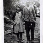 Louise (31 ans) et Léon SAUTOUR (36 ans), éleveurs à Treissingeas (Neuvic-Entier) en 1933 (c) Christian SAUTOUR