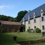 Le château de la Font Macaire à Eymoutiers, où se trouve l'annexe de la librairie Vignes.