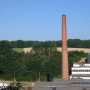 Le site de l'ancienne papeterie de Châteauneuf et sa cheminée - Moulin Neuf - Châteauneuf-la-Forêt