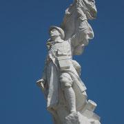 Un Monument aux Morts à l'architecture singulière, figurant un soldat - Monument aux Morts de Linards