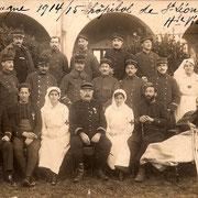 Carte postale prise à l'hôpital militaire de Saint-Léonard-de-Noblat (actuel collège) en 1915 (collection FANTON)