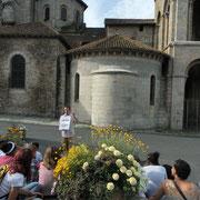 Visite de Saint-Léonard-de-Noblat : histoire et lecture architecturale de la collégiale, à l'aide d'un plan, depuis l'extérieur