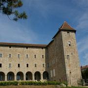 Ancien couvent des Filles-de-Notre-Dame dans le bourg (actuel foyer rural) - Saint-Léonard-de-Noblat