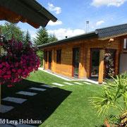 Wohnblockhaus mit Gästehaus