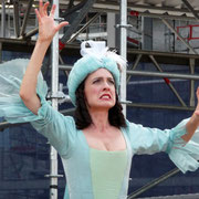 "als Zauberin Armida in ""L'amore teatrale"""