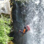 Erlebe die Natur hautnah bei Canyoning in Bulgarien