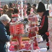 Weniger traditionel, dennoch sehr schön: Markt für Martenizi in Bulgarien