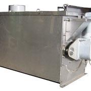 トルクアームを使うことでギアモーターとスクリューを直結させて信頼性を高めています。