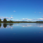 Fluss Juktån, wo unsere Huskyfarm gelegen ist