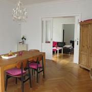 Messezimmer Hannover - Wohn-/Essbereich eines Messeapartments über 4yourfairs