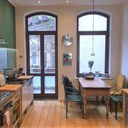 Anders als ein Hotel und mehr als nur ein Messezimmer - Küche eines privaten Messeapartments über 4yourfairs