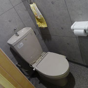 3階お手洗い|3階にはお手洗いと倉庫だけなので、ゆっくりとご利用いただけます。特に女性の方のご利用がおすすめです。