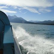 rasante Fahrt auf dem Maligne Lake