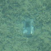 versunkener Fotoapparat in ca. 2m Tiefe im Emerald Lake (das Wasser ist wirklich extrem klar)