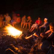 Lagerfeuer und Gesellschaft: das nennen wir Leben!