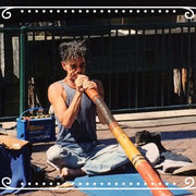 Aboriginal met Didgeridoo