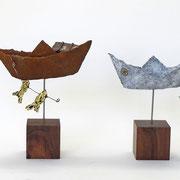 windschiefe Boote aus Pappmache
