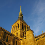 le clocher de l'église abbatiale