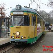 GT6 Nr. 43 an der Endstation am S-Bahnhof Friedrichshagen.