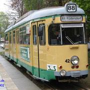 Der urprünglich aus Heidelberg stammende DÜWAG GT6 Nr. 42 in Friedrichshagen .